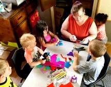 sarah making arts with the kiddos