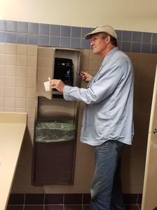 touchless paper towel 2