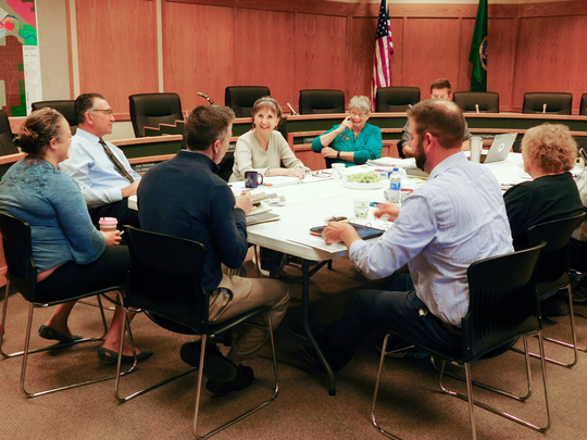 Sen. Hawkins meets with the Leavenworth City Council during his listening tour.