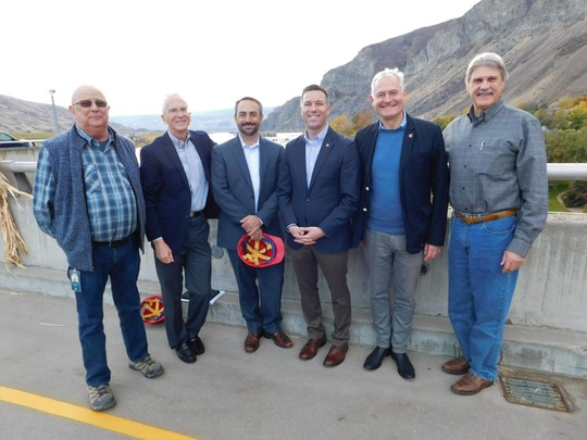 PUD officials and senators at Rocky Reach Dam