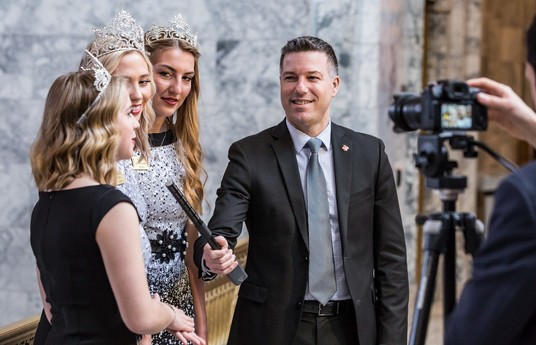 Sen. Hawkins interviews 2019 Apple Blossom Royalty