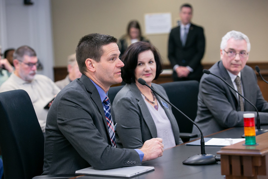 Panelists testify in favor of SB 5588
