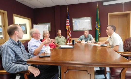 Cashmere city officials with Sen. Hawkins