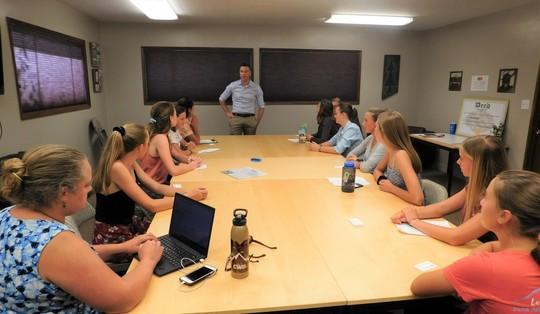 Methow Valley students meet with Sen. Hawkins