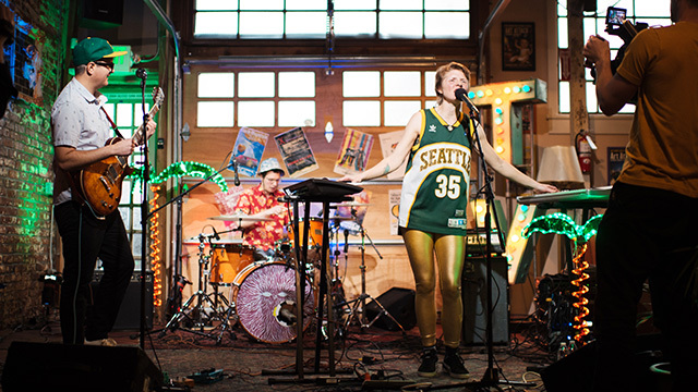 Warren Dunes performs