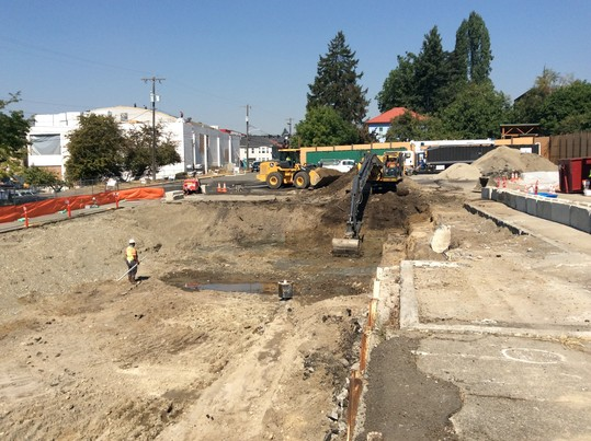Photo showing crews excavating contaminated soil in Wallingford.