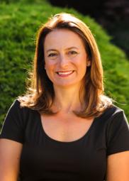 Catherine McDowall headshot