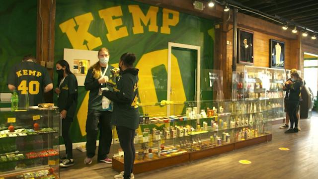 Shawn Kemp's marijuana store