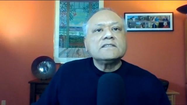 Enrique Cerna hosts a talk about guns at MOHAI