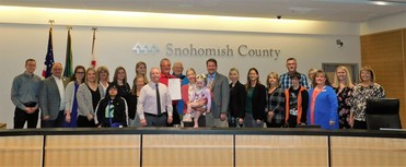 Photo of Council and representatives of Sherwood Community Services