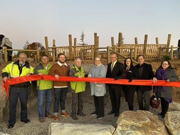 photo of ribbon cutting event