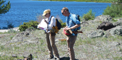 Erin Campbell and Jacob Carnes at Lake Owen, looking at Lake Owen Mafic complex.